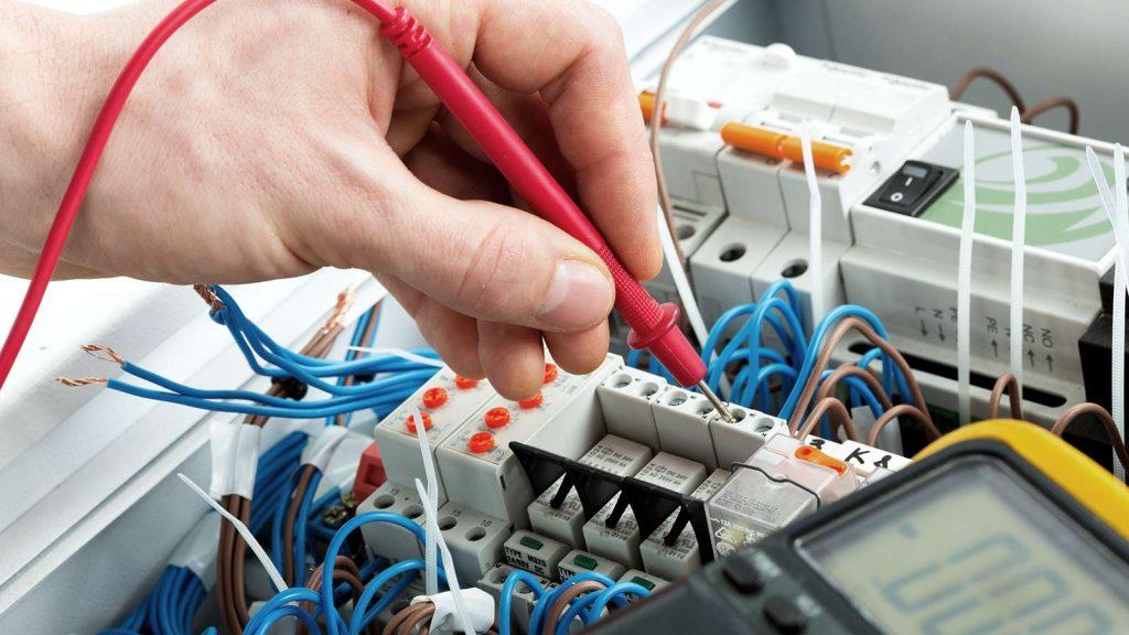 Elektriker vangede